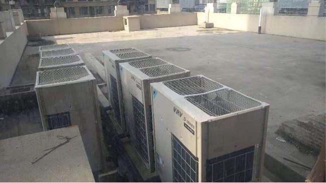 商用中央空调安装过程中如何固定室外机[国佳冷暖]